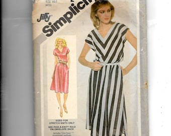 Simplicity Misses' Pullover Dress Pattern 9943