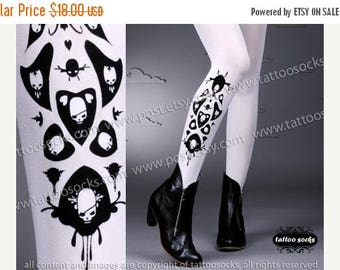 30%off/endsJUL23/ sexy SKULLS and HEARTS Tattoo thigh-high socks white