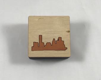 Mahogany and birch Houston skyline wooden keepsake box with lift-off lid