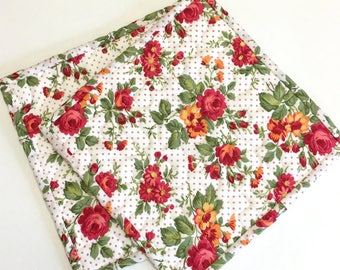 Summer Roses Potholders set of 2 Quilted Kitchen Cooking Hotpads