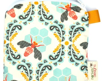 X Small 6.5 x 6.5 Wet bag / Reusable Snack Bag / Toys / Electronics / Bee Sweet Morning Fabric / SEALED SEAMS