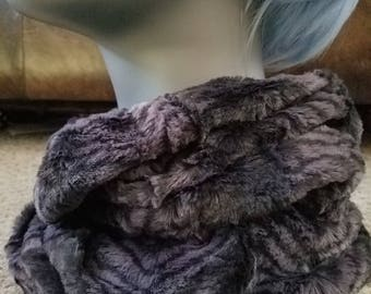 Black Feather Faux Fur Infinity Scarf