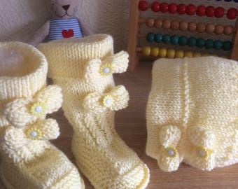 Baby hat and booties, great shower gift,ready to ship