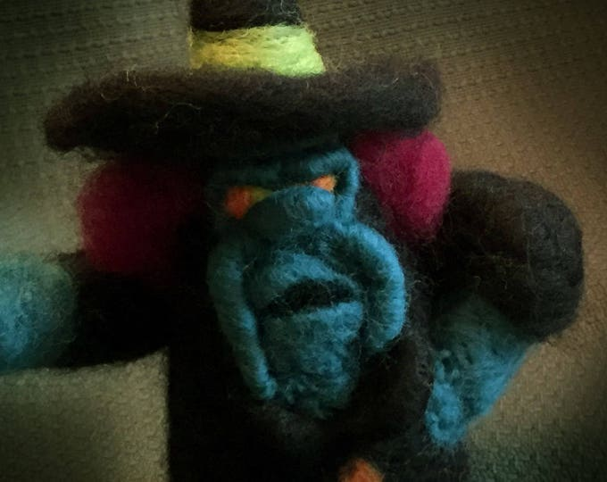 Wicked Witch, Spell Casting Witch, Halloween Witch, Housewarming Gift, Decoration, Handmade Figurine, Wool Witch, Felt Witch, Decor, Party