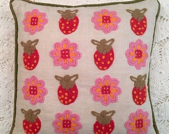 BIG SALE - Strawberries & Flowers Needlework Pillow - Red Pink on Linen