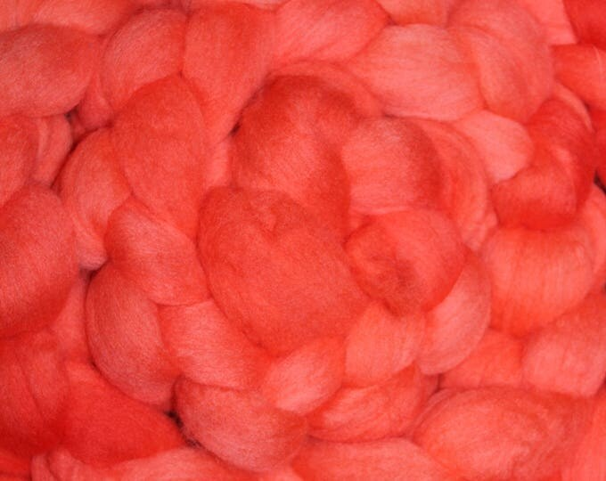 Kettle Dyed Merino Wool Top. Super fine. 19 micron  Soft and easy to spin. Huge 1/2lb Braid. Spin. Felt. Roving M322