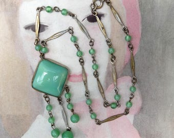 Vintage Necklace Deco Green Glass Linked Chain