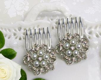 Bridesmaid hair comb, wedding hair clip,  pearl hair comb, small barrette, ivory pearl comb, pearl hair accessory, vintage style