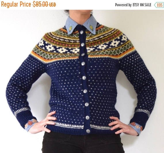 SUMMER SALE / 20% off Vintage 50s 60s Navy Blue Norwegian Wool Cardigan (small, medium)