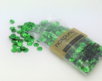 3D Kelly Green Round Sequin For Clothing, Accessory, DIY, Craft Scrap-booking, Wedding, Art Decoration, Jewelry Making