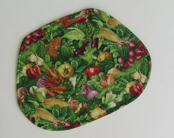 Wedge Placemat,  Reversible, Insulated, Vegetables, Green, Radishes, Bell Peppers, Corn, Table Placemats, Linens, Round Table Placemats