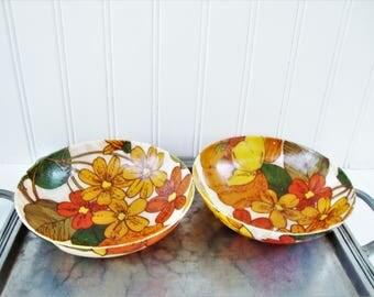 2 fiberglass salad bowls retro floral pattern