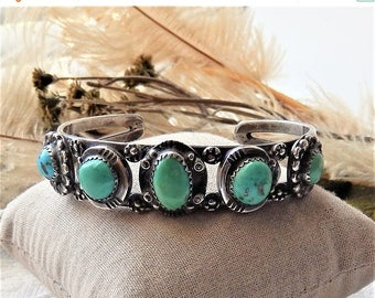 ChristmasInJulySALE..... Vintage Southwestern Sterling Silver and Turquoise Cuff Bracelet