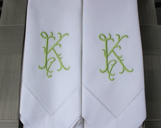 Set of Eight Monogrammed Linen Dinner Napkins, Luncheon Napkins, Wedding Napkins, Bridal Shower, Bridal Luncheon