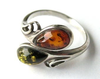 Vintage Ring Sterling Silver Ring with Baltic Amber Stones / Green Amber / Cognac Amber / Vintage Jewelry / Gift for Her / Large Size 8.5