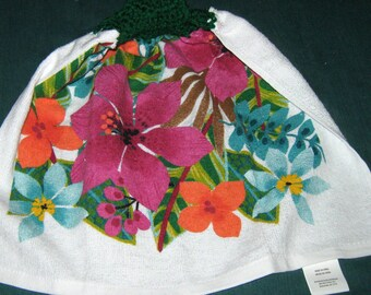 One Kitchen Crochet hanging Towel Large Mauve flowers, Green top