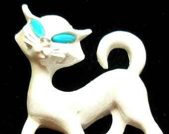 60s CAT brooch, White enamel kitty with turquoise eyes.