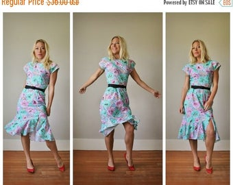 ON SALE 1980s Pastels Dress >>> Small to Medium