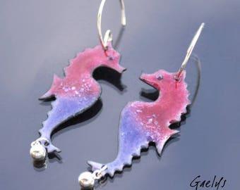 Sea horses - les petits chevaux - hippocampe en cuivre émaillé - grande taille - Rose fuchsia et violet