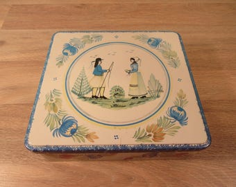 Vintage Massilly (France) biscuit tin filled with vintage sewing supplies- a complete sewing kit