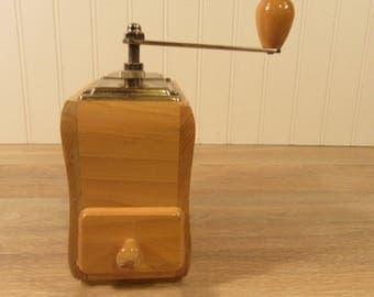 Rare vintage Zassenhaus Model 156 hand crank coffee grinder- functional, solid, wood and metal