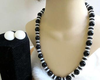 SALE Black & White Lucite Necklace and Earrings Set Vintage Beads and Discs