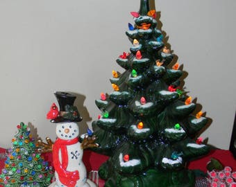 """Ceramic Christmas Tree  Old Fashioned Grandmothers Estate  Evergreen  19""""  Vintage  Lighted Tree w snow  ... Ready to SHIP  SALE"""