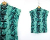 Green Imperial shirt Hawaiian Tee frog buttons top Black Leaf print Sleeveless Floral blouse women's size Medium