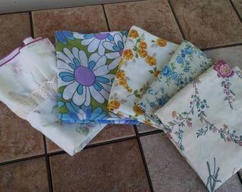 Vintage Pillowcases / Vintage Bedding / Retro Pillowcases / Mismatched  Pillowcases / Lot of 5 Pillowcases