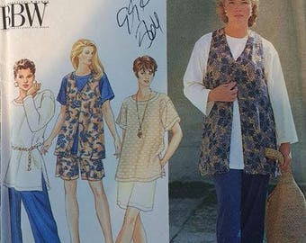 Simplicity 9470 Womens Size 26W-32W Seperates Pattern Pull On Pants Shorts Pullover Top with Long or Short Sleeves