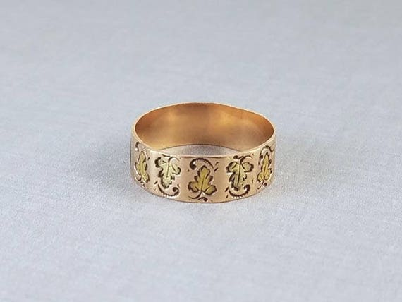 Antique Victorian ornate carved faceted multi color leaf pattern 10k rose gold wide cigar wedding band ring, size 7-1/4