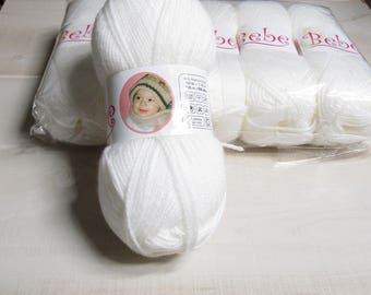 Oxford Bebe Baby Yarn in White