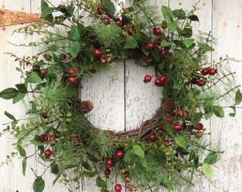 Christmas Red Berry Wreath, Holiday Home Decor, Evergreen and Pine Wreath, Artificial Christmas Wreath, Christmas Wreath