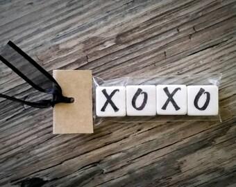 XOXO Tumbled Stone miniMagnet Word Strip
