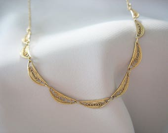 Filigree Necklace, Sarah Coventry, Scalloped, Filigree Links, Goldtone, Signed, 1970s, Delicate, Gift for Her