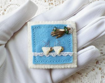 Handmade Felt Vintage Button Teacups, Pin / Brooch Broach, Buttons, Embroidery, Vintage Lace, Victorian Hand Stamping, Glass Beads, Tea,