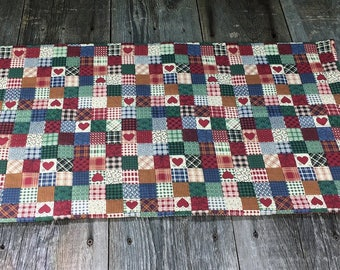 red country hearts hand quilted table runner, center piece