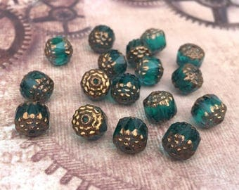 free UK postage - Pack of 30 Czech glass 8 mm beads green with gold wash