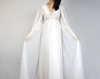 White Sheer Nightgown Robe Set Wedding 2pc Lov'Lee Peignoir Set 70s Lace Lingerie Negligee - Small S