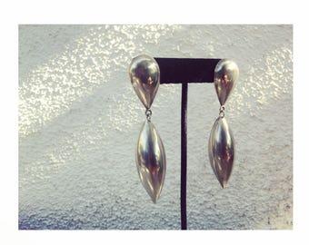 Vintage silvertone large teardrop earrings