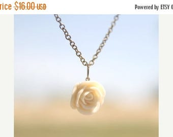 CHRISTMAS in JULY SALE Cream Ivory Rose Flower Necklace // Bridesmaid Gifts // Bridesmaid Necklaces // Rustic Wedding