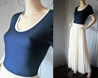 Vintage 70's Maxi Dress in Navy and Offwhite with Accordion Pleat Skirt and Ribbed Bodice. Small.