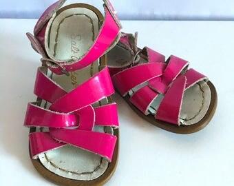 Vintage Shoes Toddler Girl's 80's Saltwater Sandals, Pink (Size 7)