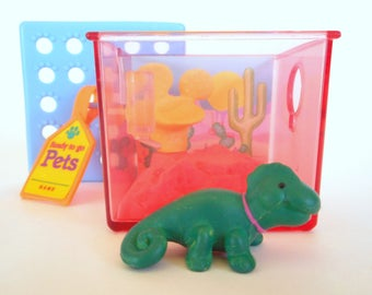 Vintage Littlest Pet Shop Chameleon in Cactus Cove Playset by Kenner 1992 Retro 90s Toy