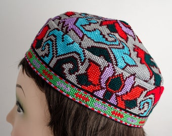 Gorgeous skull cap, hat, it is fully handmade silk embroidery, gray hat, cap, Ethnic, Central Asian