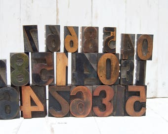 22 ANTIQUE Wood Block Numbers .  Letter Press . Big Lot . Nice Lot.