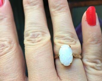 Opal Ring - 14K Gold - Vintage