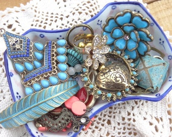 Vintage Jewelry Lot - Jewelry Lot - Faux Turquoise Charms - Orange - Gold - Ring - Feather Bracelet Charm - D