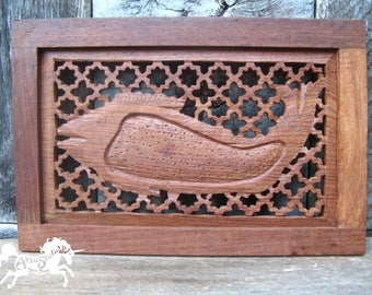 FISH SCREEN WOODCARVING, 8 by 12 Inches Vintage Hand Carved Wooden Art, Woodworking Made in India with Keyhole Design Handmade Fishing Decor