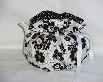 2 Cup Pretty Black & White  Reversible Teapot Cozy